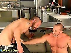 Sexy bear rims and sucks