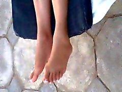 arabic hot feet . yummy