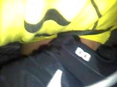 Gozando no tenis Nike air max sem bater punheta