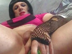 Shayna Loves To Fuck A Cucumber