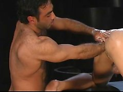 Carlos Morales' stretches his manhole with Huessein's hand !