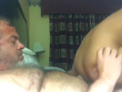 Hairy daddy bear fucks twink