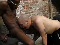 Black guy throats inmate
